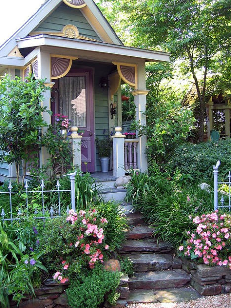 fairytale-cottages-tiny-victorian