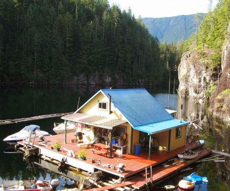 Cheap Eco House Floating Homestead
