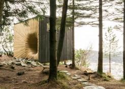 Trippy Tunnel: Mountain Retreat in Norway with Weird Wood Door