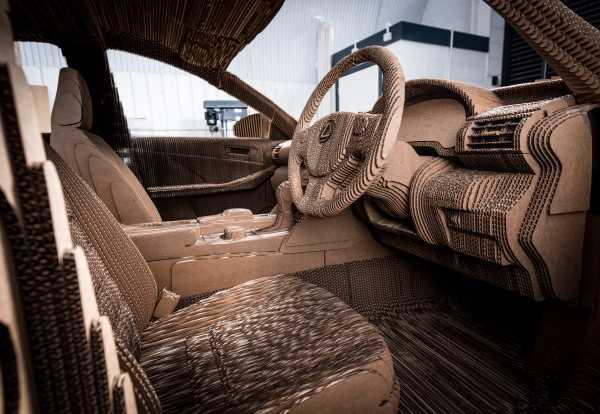Lexus-cardboard-car-3