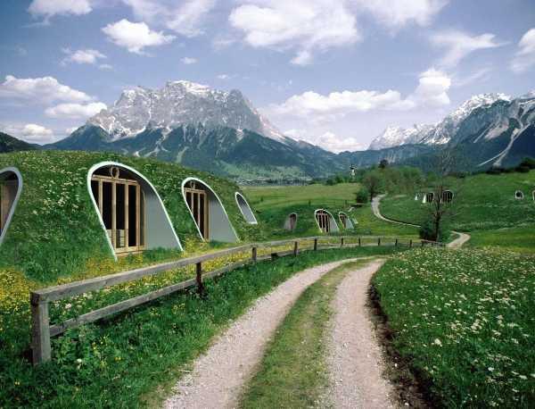Green-Magic-Hobbit-Homes-1