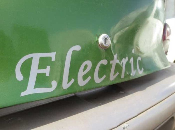 abandoned-electric-car-geo1d