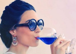 Here's To Hue: Gik's Shocking Bright Blue Wine