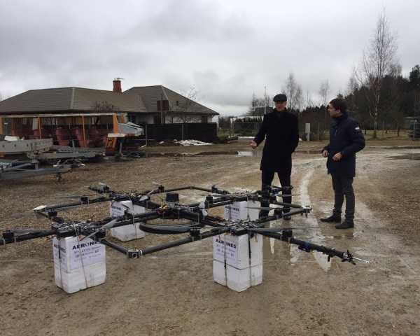 Spin Doctor: Drone Cleans Dirty Wind Turbines